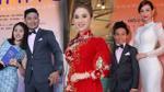 Lâm Khánh Chi diện áo dài đỏ, Vân Trang giản dị đến chúc mừng phim của Quý Bình - Quỳnh Chi