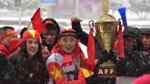 Mưa tuyết khắc nghiệt, cổ động viên Việt tại Thường Châu vẫn nhảy nhót reo hò vì phấn khích