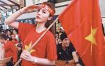 U23 Việt Nam về nhì vẫn được lòng dân, sao Việt đồng loạt mặc áo 'cờ đỏ, sao vàng' xuống phố