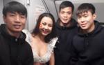 Lại Thanh Hương chính thức xin lỗi vì diễn bikini phản cảm trên máy bay đón U23 Việt Nam, gián tiếp tiết lộ Vietjet nói dối?