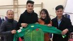 Áo của thủ môn Bùi Tiến Dũng được đấu giá lên đến 30 triệu đồng