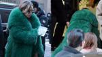 Diện trang phục như đi thảm đỏ, CL (2NE1) 'vồ ếch' tại hôn lễ của Taeyang và Min HyoRin