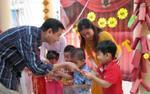 Lì xì giúp trẻ em có 'bùa hộ mệnh' trong năm mới