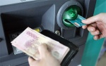 Đi rút tiền tại ATM ngày Tết, nhớ kĩ những mẹo này để tránh 'tiền mất tật mang'
