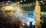 Sau giao thừa, hàng nghìn người Sài Gòn đổ về chùa đi lễ đầu năm