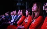 Những tà áo dài đỏ thướt tha trong đêm ra mắt sự kiện Samsung Galaxy S9