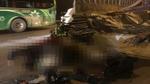 Xe máy va vào ô tô tải đỗ bên đường: Chồng tử vong, vợ và con trọng thương