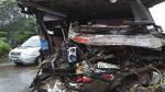Xe khách nát bươm sau va chạm với xe tải, 3 người tử vong tại chỗ