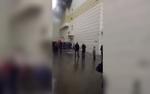 Nam thanh niên nhảy khỏi tầng 4 thoát thân giữa đám khói đen kịt trong vụ cháy lớn ở Nga