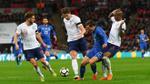 Trọng tài người Đức dùng công nghệ VAR giúp Italia thoát thua trước tuyển Anh