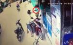 Người phụ nữ hốt hoảng khi bị dí dao cướp tài sản táo tợn giữa ban ngày