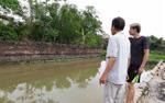 Bàng hoàng phát hiện hai nữ sinh lớp 6 tử vong dưới ao nước