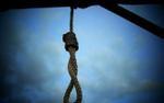 Chồng đâm vợ trọng thương rồi treo cổ tự tử ở chuồng bò
