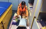 Cứu thuyền viên bị máy tời cán đứt lìa bàn tay khi đang đánh bắt trên biển