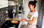 Ru rú ở nhà bếp núc, cô gái bị người yêu 'cắm sừng' vì 'trông không khác gì con nhà quê'