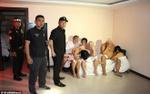 Thái Lan: Cảnh sát bắt quả tang 18 đàn ông thác loạn trong khách sạn