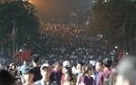 Hàng nghìn người hành hương về dâng lễ giỗ tổ đền Hùng trong đêm, giao thông kẹt cứng mọi ngả đường