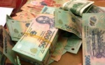 Điều tra nhóm đối tượng bỏ lại bao tiền khoảng 2,8 tỷ đồng khi bị truy đuổi