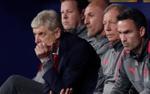 Nhìn những hình ảnh Wenger buồn tủi như thế này, liệu fan hâm mộ có chạnh lòng?