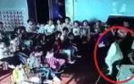 Giáo viên mầm non lôi bé 5 tuổi đập mạnh vào tủ khiến chảy máu đầu