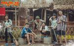 Teen Hà thành khiến dân mạng 'chao đảo' với bộ ảnh kỷ yếu 'chất như nước cất' chụp giữa khu chợ quê