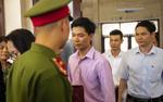 Rời phòng xử án, BS Hoàng Công Lương khẳng định không đồng ý với toàn bộ cáo trạng