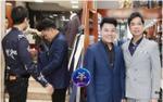HLV Ngọc Sơn tất bật sắm sửa trang phục cho học trò trước giờ G Chung kết Thần tượng Bolero