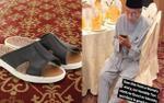 Thủ tướng Malaysia 'gây sốt' với đôi dép bình dân giá 4 USD
