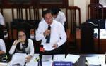 Luật sư bào chữa cho bác sĩ Hoàng Công Lương: 'Nhiều người liên quan vắng mặt, chúng tôi không biết hỏi ai'