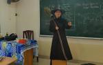 Chuyện về cô giáo hóa trang thành phù thủy để học trò có cảm hứng ôn thi đại học môn Ngữ văn khiến nhiều người cảm động