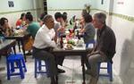 Cựu Tổng thống Obama tiếc thương trước cái chết của đầu bếp lừng danh