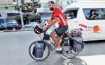 Chàng trai Ai Cập đạp xe 5.000 km tới Nga xem World Cup