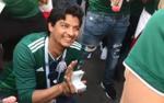 CĐV Mexico cầu hôn bạn gái trước chiến thắng của đội nhà