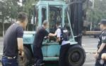 Cảnh sát Trung Quốc bắn chết tài xế lái xe 'điên' lao vào đám đông