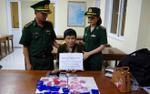 'Nữ quái' khóc lóc van xin khi bị phát hiện giấu gần 5.000 viên ma túy tổng hợp trong vùng kín