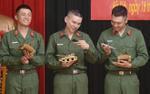 Gin Tuấn Kiệt hát hit Hoài Lâm, Hoàng Tôn - Bảo Kun hí hửng vì được tặng xe tăng trước khi 'xuất ngũ'
