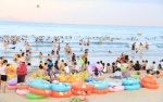 Xét nghiệm nước, tìm nguyên nhân khiến du khách nổi mẩn đỏ và ngứa sau khi tắm biển Đà Nẵng