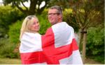 Fan 'cuồng' hoãn đám cưới vì không muốn bỏ lỡ trận Anh - Thuỵ Điển