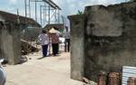 Phá tường để xây nhà mới, 2 người bị đè tử vong