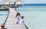 Hoa hậu người Việt tại Mỹ cùng chồng và hai con tận hưởng mùa hè tại thiên đường Maldives