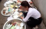 Về nhà người yêu ăn giỗ, cô gái trẻ bị nói bóng gió không biết gì dù đã làm đủ việc, ăn xong cỗ còn phải một mình rửa hết 13 mâm bát