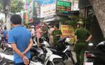 Cảnh sát nổ súng vây bắt nhóm côn đồ cầm hung khí cố thủ trong khách sạn