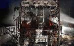 Xe khách bốc cháy dữ dội, 40 hành khách hoảng loạn đập kính thoát ra ngoài