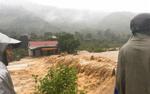 Nghệ An - Hà Tĩnh chìm trong biển nước, nhiều nơi bị cô lập sau bão