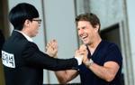 Tom Cruise cười như 'hái được mùa' khi gặp mặt Yoo Jae Suk và các thành viên Running Man