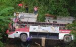 Xe khách lao xuống vực ở Cao Bằng, 3 người chết, 8 người bị thương
