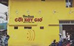 Bức tường Cối Xay Gió 'thần thánh' lại bị vẽ bậy một cách rất vô duyên, gây bức xúc trong giới trẻ