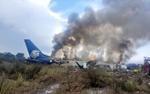 Máy bay Mexico chở 101 người rơi do thời tiết xấu