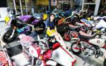 Choáng với bộ sưu tập mô tô khủng của cô nàng 9X xinh đẹp