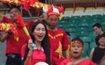 Công Phượng dự bị, Hòa Minzy thổi kèn cổ vũ Olympic Việt Nam